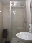 Double bedroom en suite shower